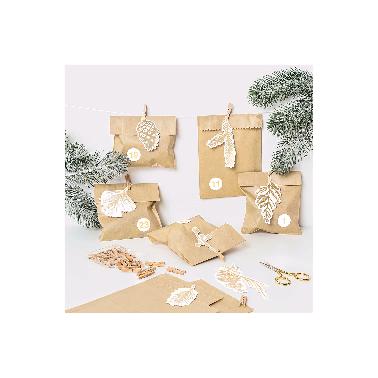 24 leuke labels met goudfolie print, touw en houten mini-wasknijper, helemaal in de ban van dennen en sparren